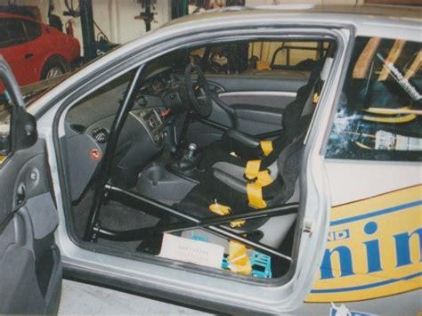 ford focus mk hatchback  point bolt  roll cage