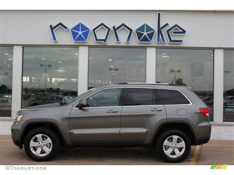 jeep cherokee grey 2011 mineral gray metallic jeep grand cherokee laredo x