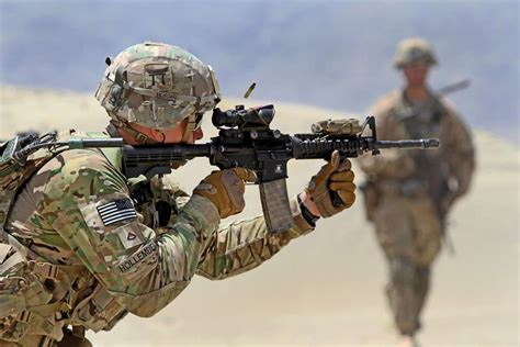 Army A fn america collector series m4 carbine on