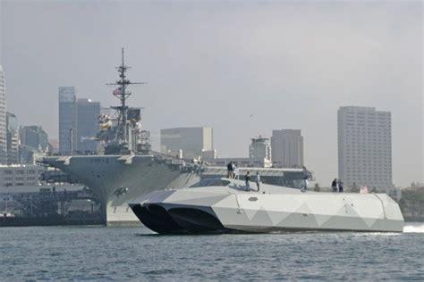 potomac river boat crash us navy experimental military boat hits the potomac page 1