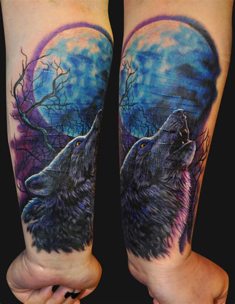 wolf moon tattoo 18 howling wolf designs images and photos