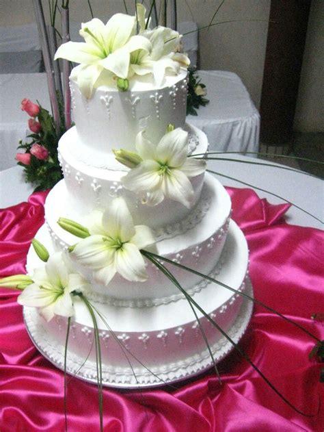 pasteles decorados con chantilly pastel para boda pastel para boda con cubierta de crema