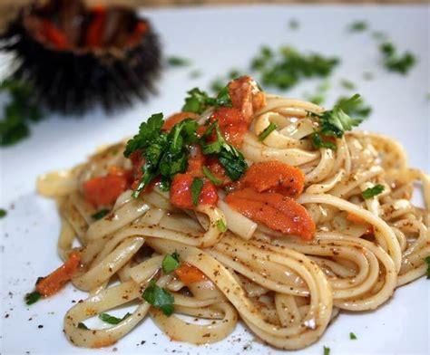 cucinare ricci di mare pasta con i ricci di mare ricetta semplice
