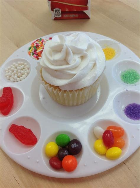 Decorate Cupcakes With by Of Cake How To Throw A Cupcake Decorating