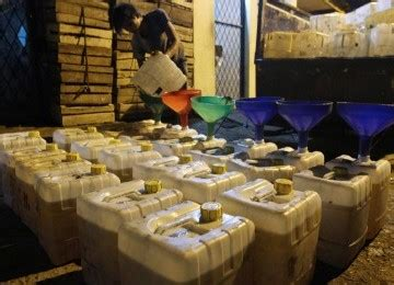 Minyak Goreng Curah Di Pabrik pabrik minyak goreng terbesar di indonesia timur telan rp 1 7 t republika