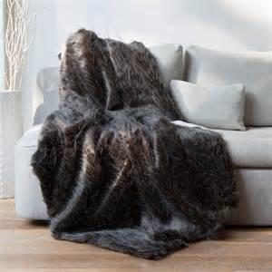 plaid fausse fourrure autruche noir blanc 140x180cm sweet home