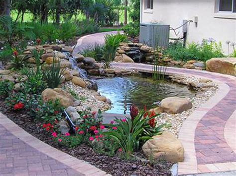 what is the difference between a koi pond and a water gardens pond