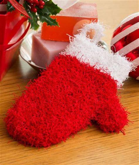 knit pattern heart mittens holiday mitten scrubby free knitting pattern in red heart