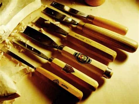 types  wood carving tools handyman tips