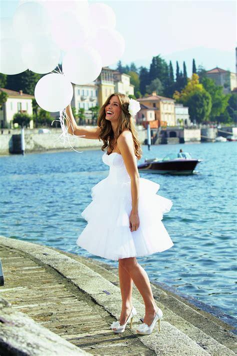 amazing short beach wedding dresses beach wedding tips