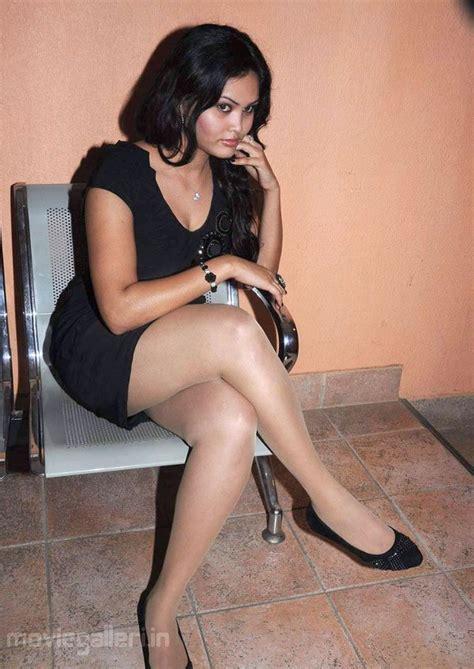 south actress thigh pics asmitha hot pictures actress asmitha hot leg show stills
