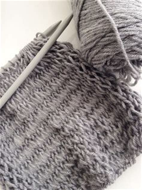 pattern not only but also this is a great scarf pattern for beginner knitters since