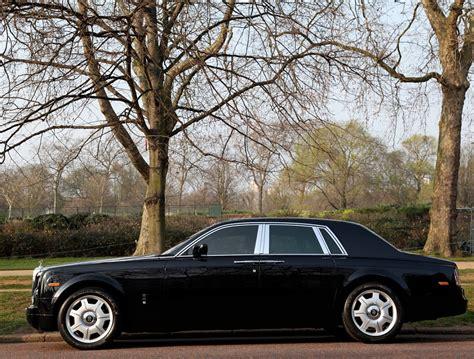 rent a black rolls royce phantom chauffeured rolls royce