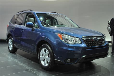 green subaru forester 2014 2014 subaru forester finally steps in front of the camera