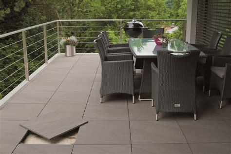 Moderne Terrassenfliesen by Tuin