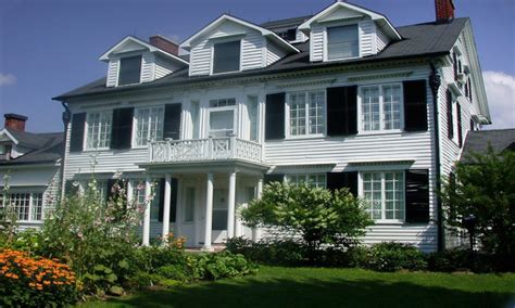 traditional house styles traditional home exteriors colonial style home exterior