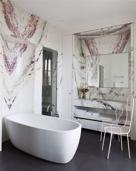 10 sumptuous marble luxury bathrooms that will fascinate you 10 striking luxurious bathtubs that completely steal the scene