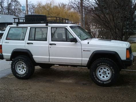 white jeep cherokee black rims 94 cherokee help me decide what paint to use on wheels