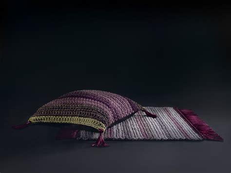 cuscini da terra cuscino quadrato da terra floor cushion by iota project