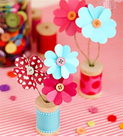 Flores de cartulina y botones   Especial Día de la Madre   Especiales   Charhadas.com