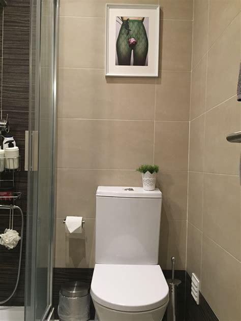 quadros na casa de banho porque nao de partir  loica