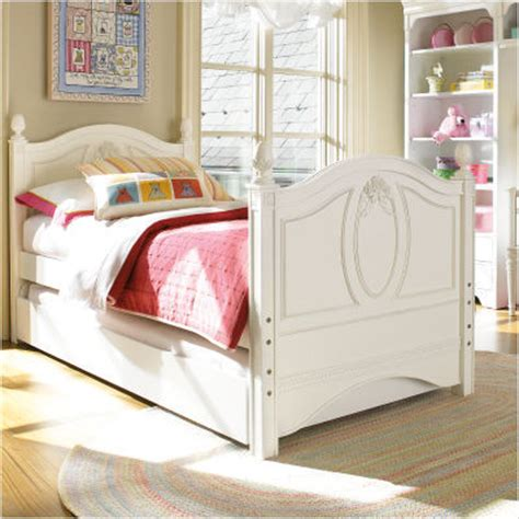 Half Bunk Bed America By Stanley Ma Half Bunk Bed Contemporary Daybeds By All Modern Baby