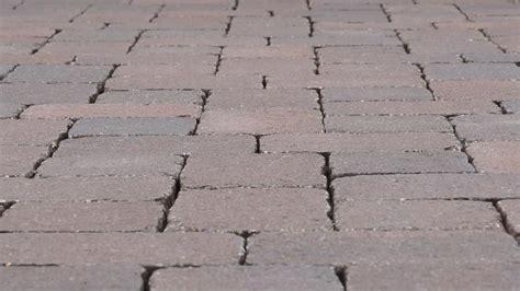 Pflastersteine Verfugen Sand by Garageneinfahrt Pflastern Anleitung Zum Betonpflaster
