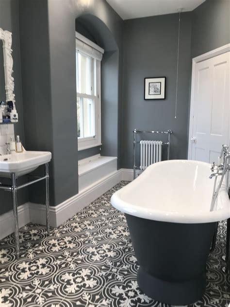 Modern Grey Bathroom Ideas by Best 25 Grey Bathroom Decor Ideas On Half