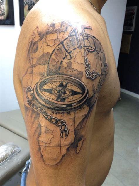 tattoo compass mit karte kompass tattoo alte weltkarte tattoo pinterest tattoos