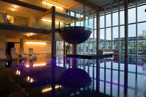 hotel con idromassaggio in lago di garda hotel spa piscina bardolino lago di garda con idromassaggio