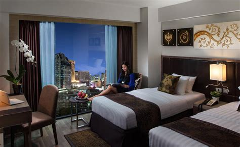 age to reserve hotel room rooms luxury suites in nana sukhumvit soi 11 grand swiss hotel bangkok