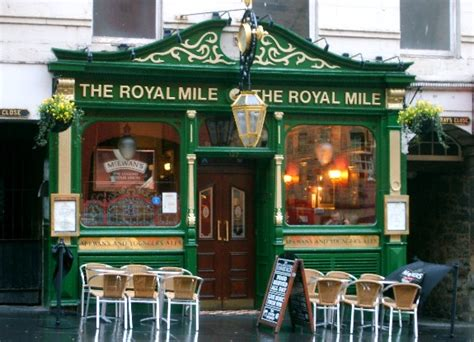 royal milecom the royal mile shops restaurants pubs edinburgh royal mile advice on what to see when visiting