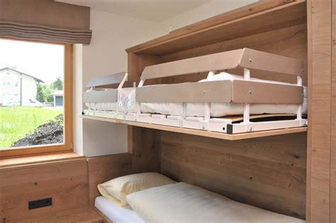 Bett Auf Kleiderschrank by Bett St 252 Hle Kleiderschrank Mehr F 252 Rs Hotelzimmer