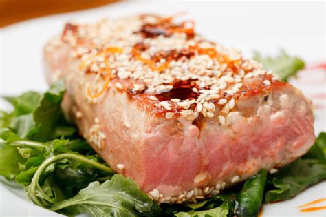 tasty ways to cook healthy tuna steaks for dinner