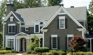 How To Choose Exterior Paint Colors For Your House How To Choose The Perfect Paint Color For The Exterior Of