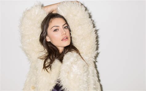 20  Phoebe Tonkin wallpapers High Quality Download
