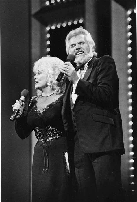 Kenny Rogers says farewell to the road | Music