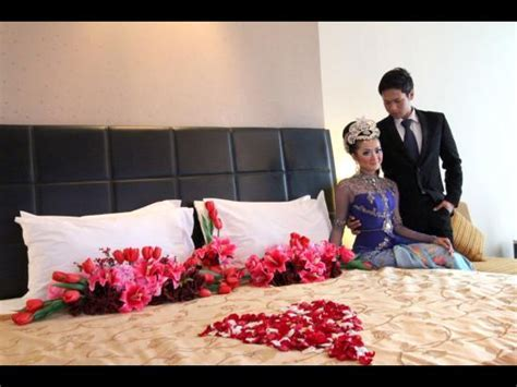Wedding room decoration   Picture of Golden Flower