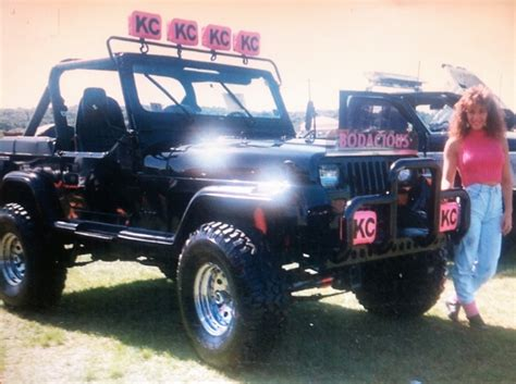 jeep wrangler girls bodacious jeep picture of the day 1987 jeep wrangler yj