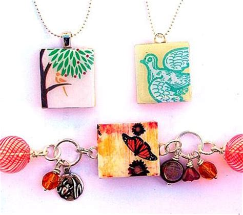 how to make scrabble tile jewelry scrabble pieces jewelry crafts