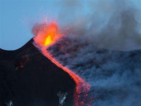 Dvd Kilimanjaro Volcano Above The Clouds Pendakian Gunung italy s etna volcano throws lava bombs in its big