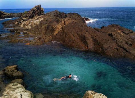 pantai wediombo gunung kidul kolam renang alami ala