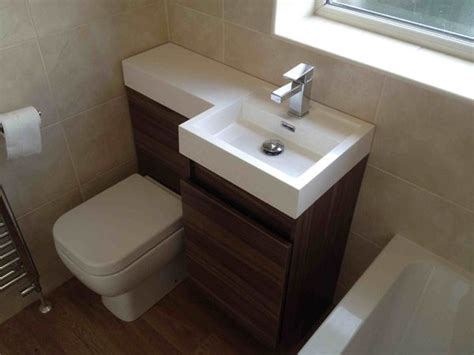 9 space saving tips for small bathrooms godownsize com 25 best ideas about space saving bathroom on pinterest