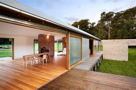 6 houses inspired by the australian vernacular shed