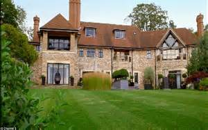 houses to buy in north london 163 20m north london mansion in totteridge toured on channel 5 daily mail online