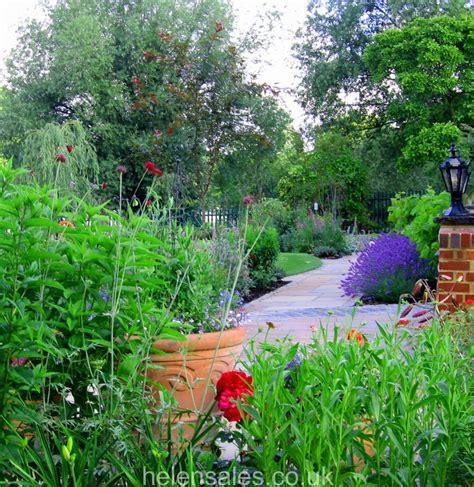 Berkshire Gardens by River Garden Berkshire Helen Sales Garden Design