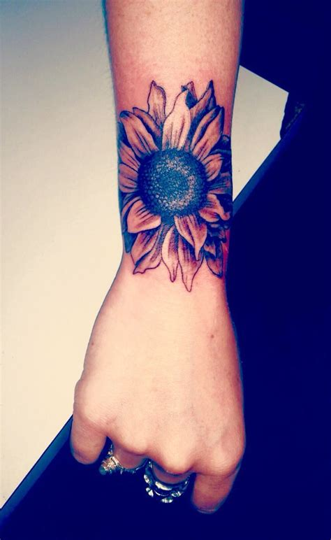 cool girl tattoo designs best 25 cool tattoos ideas on pretty