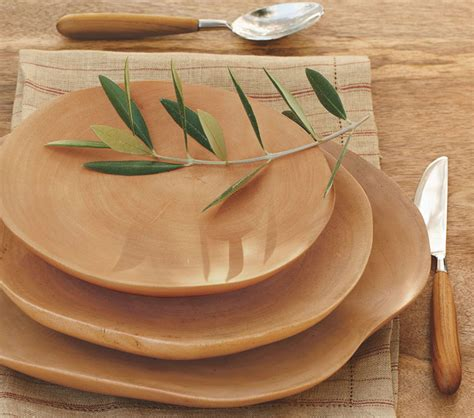Handcrafted Plates - handcrafted mango wood plates the green