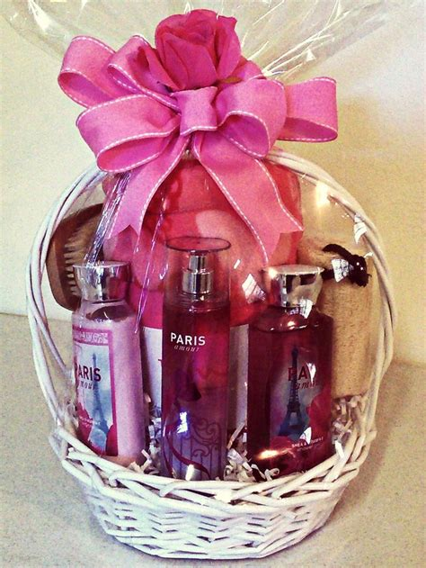 bathroom gift basket ideas 25 best ideas about spa basket on pinterest survival