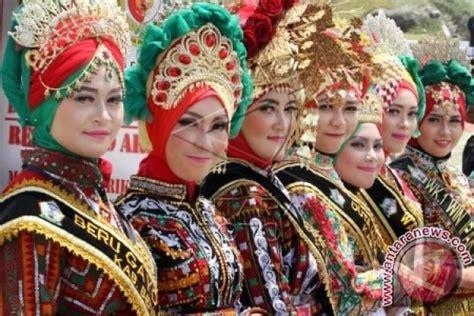 Baju Adat Gayo Aceh selain kuliner aceh juga terkenal dengan pakaian khasnya kanal aceh